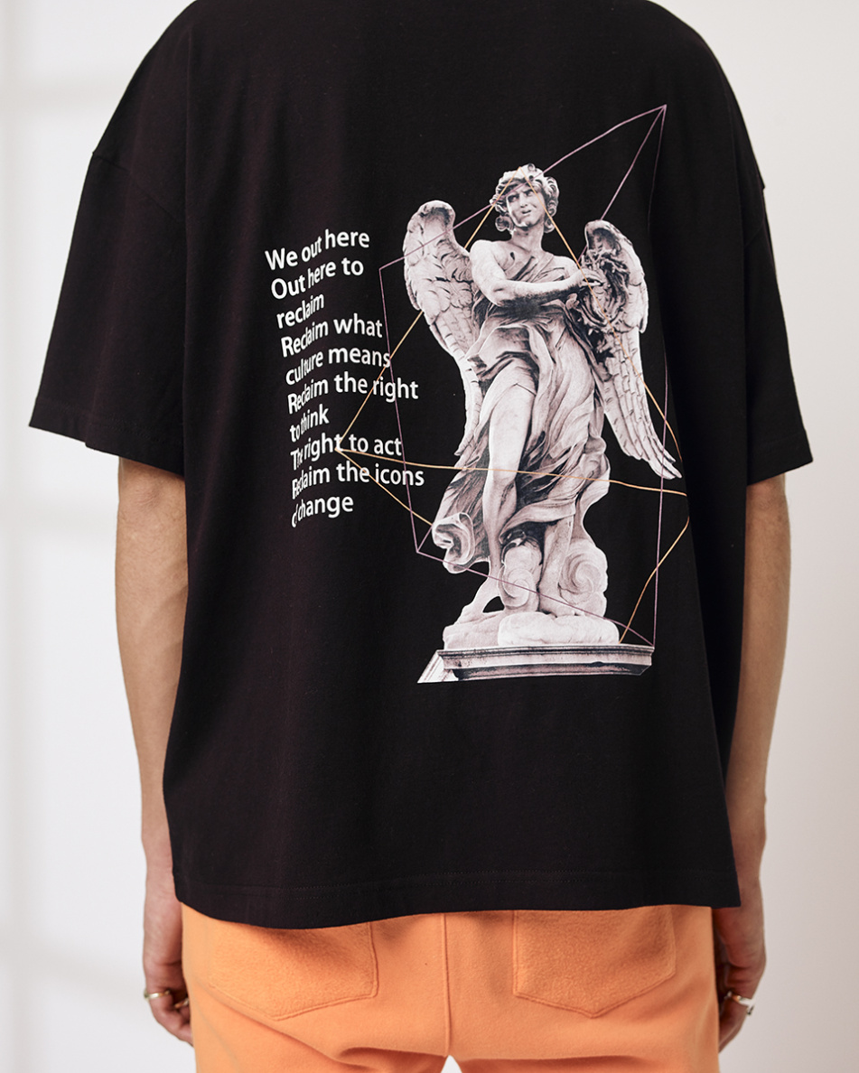 Lined Statue T