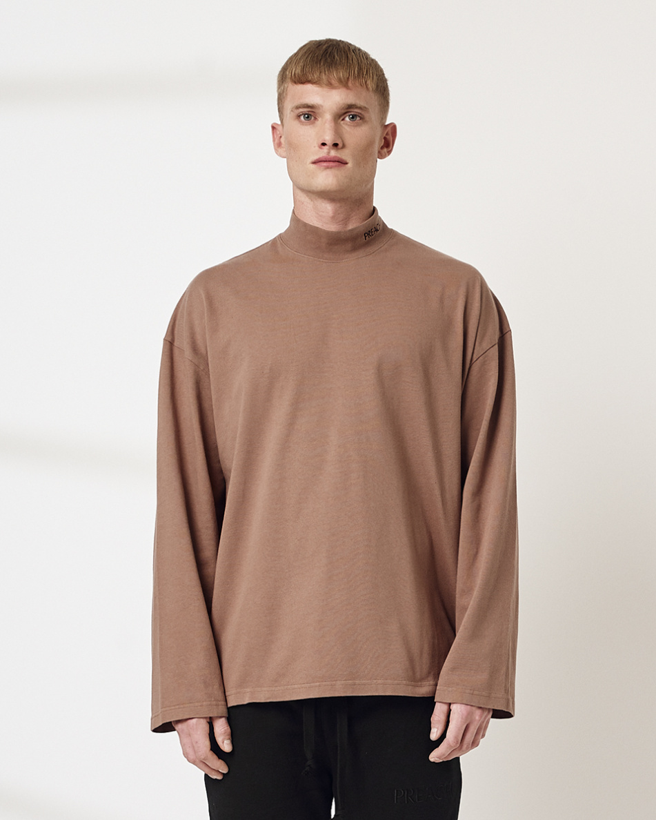 Oversized L Turtleneck